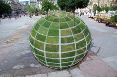 OpticalIllusion at Paris Town Hall - by François Abelanet