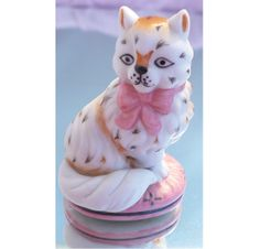 1986 Franklin Mint Cat Figurine   by MarlosMarvelousFinds on Etsy, $24.00