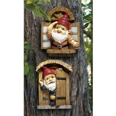 The Knothole Gnomes Garden Welcome Tree Sculpture: