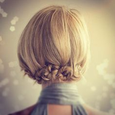 "Sweet twist & pin style http://www.hairromance.com/2011/02/sweet-twist-and-pin-variation.html"""
