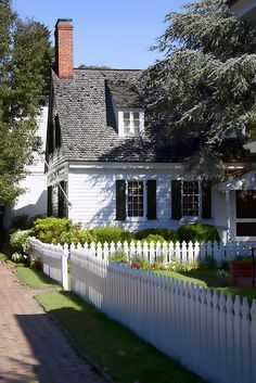 Cottage with picket fence!