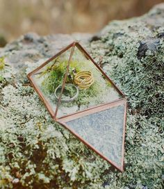 geometric ring holder