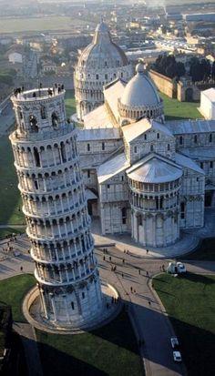Piazza dei Miracoli ♦ Pisa, Tuscany, Italy
