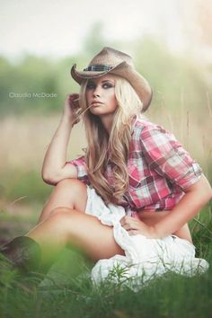 Claudia McDade PHotography  candice holloway- mua  carley fant- hair  cowgirl, boots, hair, hat, field