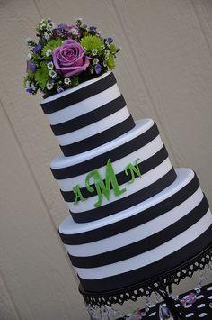 love it! #wedding #cake www.BlueRainbowDesign.com