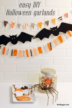 Create these easy #DIY Halloween garlands from @Kami Bremyer Bremyer Bigler * NoBiggie.net! #spookyspaces