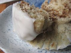 Heidi Bakes: Cracklin Oat Bran Apple Muffins
