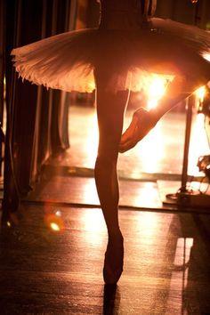Ballerina passé backstage. Perfect tutu.