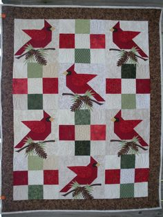 Luanne's 2012 Winter Quilt. Red cardinals