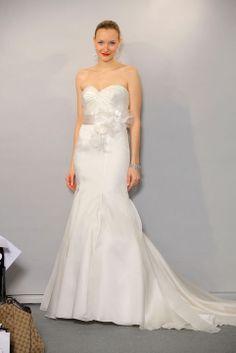 Trumpet / mermaid sweetheart chapel train charming organza wedding dress