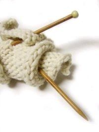 Wind a center-pull yarn ball like a pro with this free #knitting tutorial.