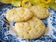 Krista's Kitchen: Lovely Lemon Cookies