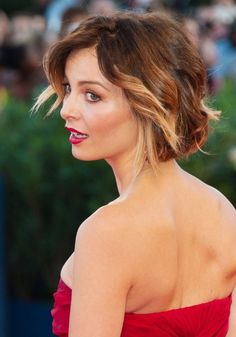 Violante Placido Short Curly Hairstyle