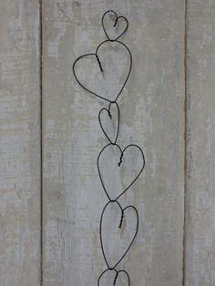 Wire Heart Garland. Nx