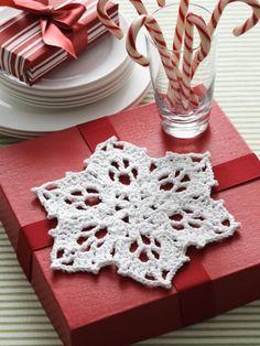 Snowflake Dishcloth | Yarn | Free Knitting Patterns | Crochet Patterns | Yarnspirations