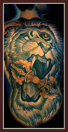 Full back shouting #lion #tattoo with mouth wide open