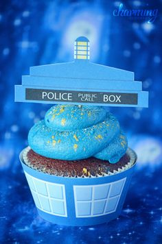 Doctor Who TARDIS Cupcake Wrappers  Toppers PRINTABLE FILE  Made by me =D
