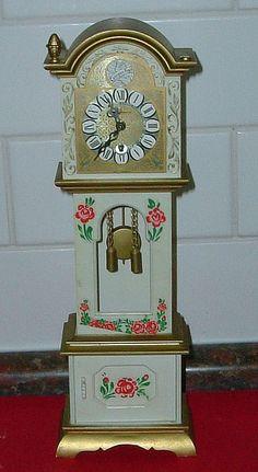 Mini Grandfather Clock... sweet!