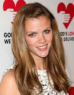 How To Color (Dye) Your Hair At Home: Go From Light To Dark: Get Brooklyn Decker's New Look, Style