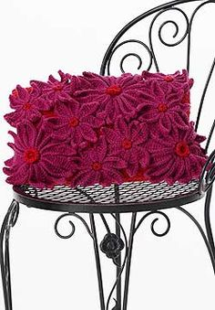 "Free pattern for this beautiful ""Petal Pillow""!"