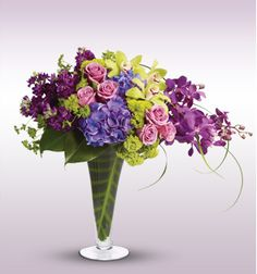 Your Majesty, save 20% on this beautiful arrangement with Union Plus!