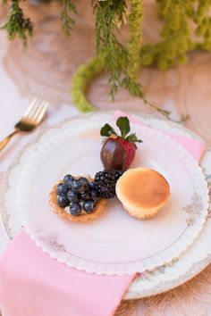 Change it up -- Greet your guests with goodies! #Place Settings | See more inspiration on #SMP Weddings: http://www.stylemepretty.com/new-york-weddings/new-york-city/manhattan/2013/12/27/3-west-club-engagement-party-inspiration/   Photography: Charlie Juliet