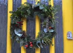 Littlegreenshed - UK Lifestyle & family adventures Blog Inspiration to dress up next years Christmas wreath!