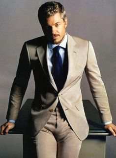 Oh Eric Dane! So hot. Def miss you on grey's anatomy every week.