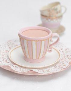 Pink Tea Cup Mini Cake.. yep, it's edible!