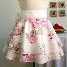 Double skirt apron