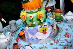What a stunning Alice In Wonderland CAKE! Found via Kara's Party Ideas | Kara'sPartyIdeas.com #alice #in #wonderland #party #supplies #ideas