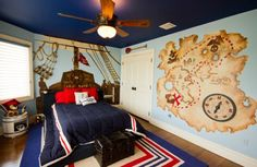 Colorful-boys-bedroom-uses-with-ship-wheel-on-the-headboard-of-the-bed-british-pirate-bedroom-decor.jpg (600×391)