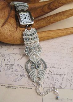 This is beautiful! From Sherri Stokey's blog Knot Just Macramé.
