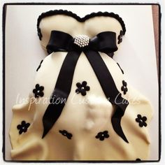 Cute Black and White Baby Belly cake -