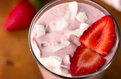 Strawberry Coconut Almond Smoothie