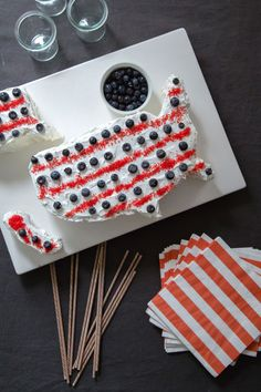 USA cake - fun! cakes, fourth of july, alaska, 4th of july, usa shape, usa cake, cake complet, independence day, shape cake