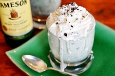 shamrock blizzard, chocolate chips, shake recipes, drink, st patricks day, oreos, irish, whipped cream, dessert
