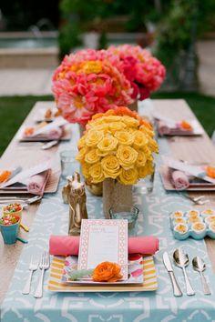 table settings, pattern, centerpiec, color combos, happy colors