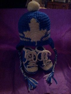 Toronto Maple Leafs Baby Girls Pink and White Crocheted Hockey Hat