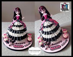 Monster High Doll Cake - Draculaura