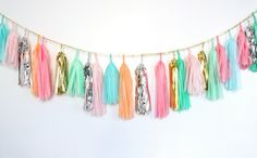 I want this confetti garland all over my house!