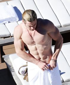 He has a wingspan of six feet.* | Definitive Proof That Chris Hemsworth Is An Actual Norse God