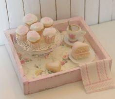 Dollhouse miniatures...SO adorable!