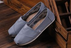 Toms Shoes Women Classic in Grey