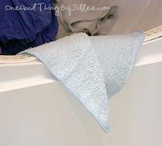 Make your own REUSABLE dryer sheets!