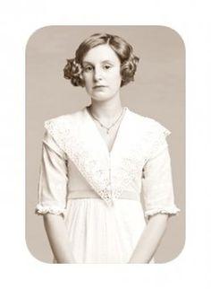 Downton Abbey Cast. Lady Edith