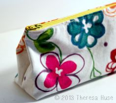 Design Your Own Fabric and Make Your Own Zipper Pouch!