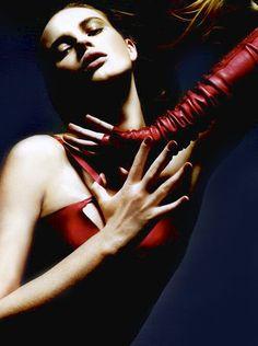 ..ravishing red gloves