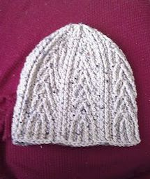 This Crafting Life: Arrow Hat [crochet pattern]