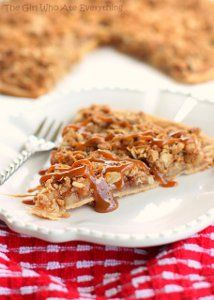 Died and gone to heaven. This is a great fall recipe for any occasion. Perfect Apple Crisp Pizza